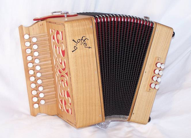 diatonic accordion B.Loffet Student Range 3 voix (Click to see more pictures)